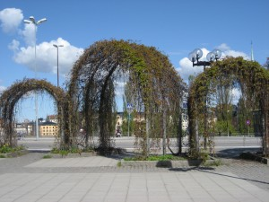 Kaariportteja Slussenin tunnelbana-aseman lähellä